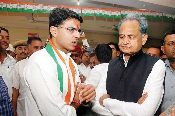 gehlot-in-top-gear-pilot-to-be-landed-for-rajasthan-s-cm-race