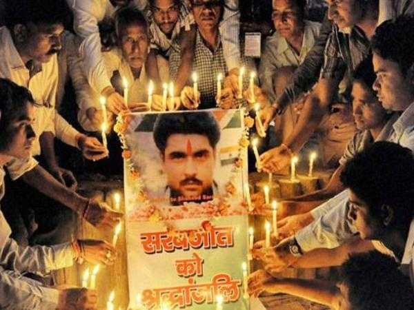 sarabjit-singh-s-killers-walk-free-as-pakistan-court-acquits-two-in-murder-case