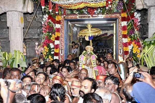 the-reason-behind-the-sorga-vasal-ceremony-in-al-vishnu-temples