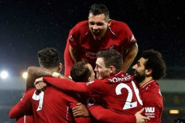 liverpool-crush-manchester-united-to-go-top