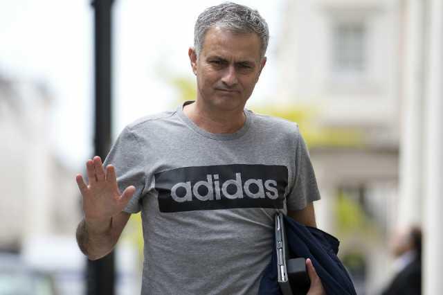 manchester-united-sack-coach-mourinho