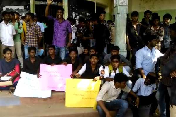 college-students-demonstrated-on-sterlite-plant-closed-permanently