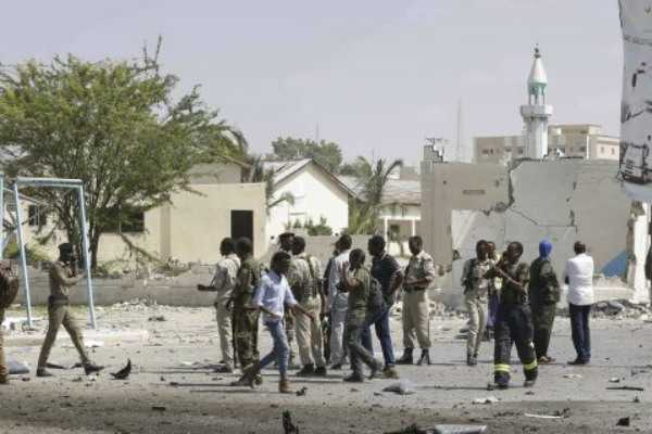 bombings-near-somalia-presidential-palace-kills-16