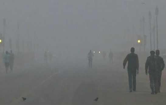 heavy-fog-prevails-in-delhi