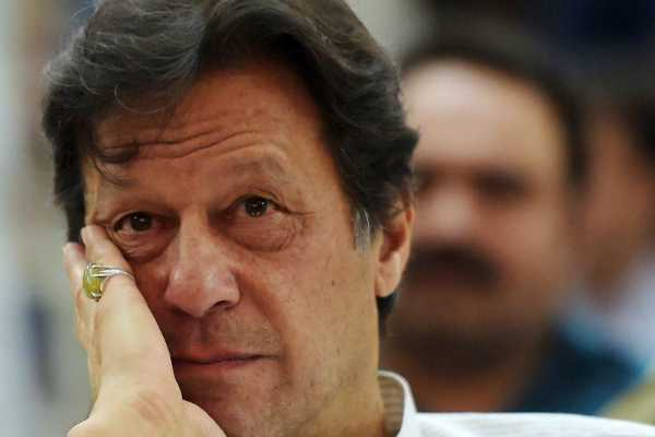 naseeruddin-shah-gets-support-from-pakistan-pm-imran-khan
