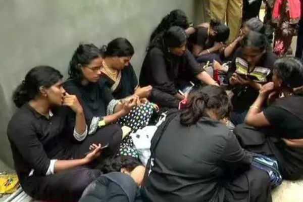 sabarimala-11-tamil-women-returned-from-pamba