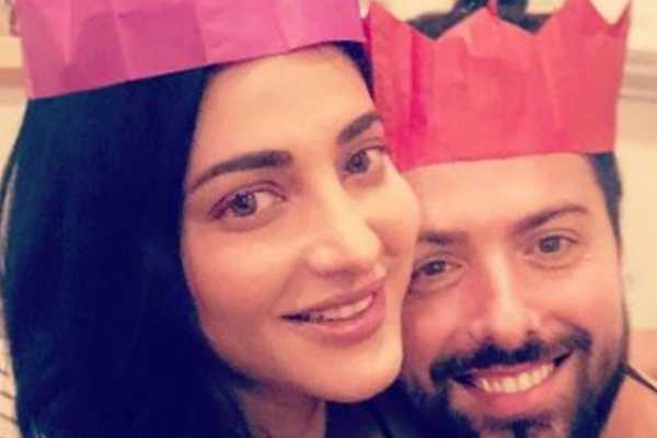 shruthi-hasan-s-christmas-celebration-with-her-boy-friend