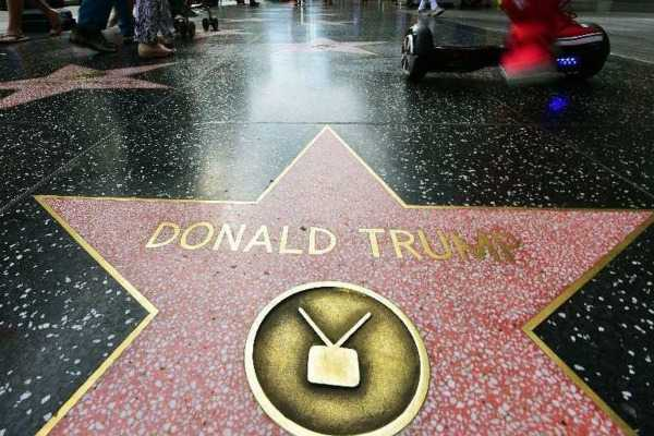 donald-trump-star-on-hollywood-walk-of-fame-spray-painted-with-swastikas