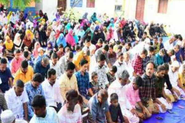 noida-the-ban-on-prayers-in-public-places