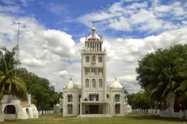 veeramamunivar-adaikala-anna-church-special-story