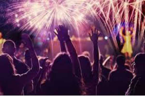 new-year-celebrations-should-be-completed-at-1-am-chennai-police