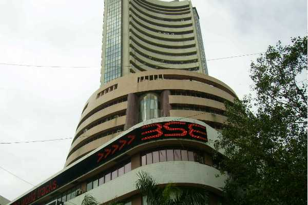sensex-spikes-nearly-400-points-on-thursday-morning