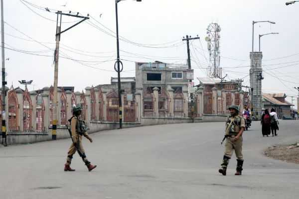 kashmir-one-terrorists-gunned-down-in-pulwama