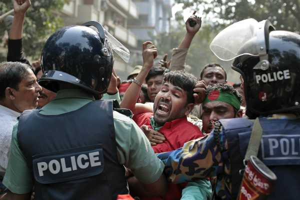 violence-in-bangladesh-elections-10-dead