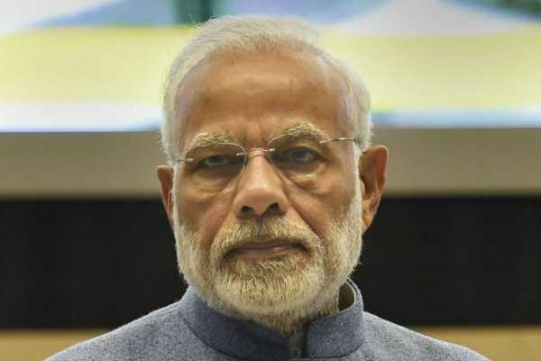 pm-modi-laid-foundation-stone-for-builting-wall-to-avoid-sea-erosion