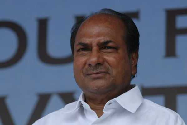 sonia-gandhi-rahul-gandhi-never-interfered-in-defence-deals-ak-antony