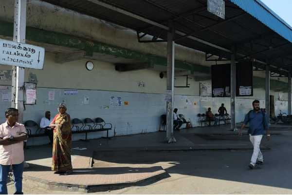 kerala-protest-bus-passengers-affected