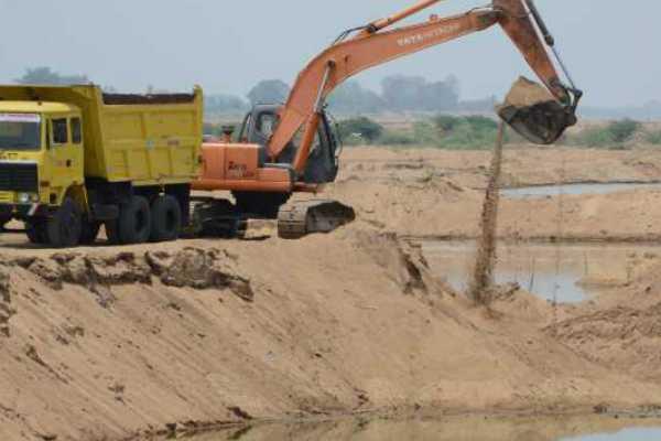 uttarpradesh-cbi-raid-in-sand-mining-case