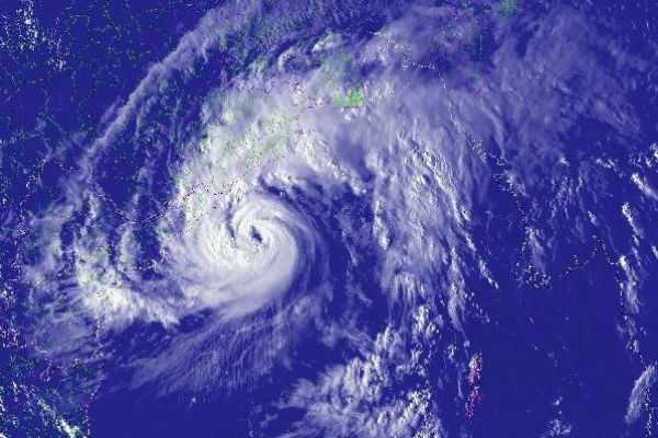 cyclone-alert-for-andaman-fishers-bareed-to-go-into-sea