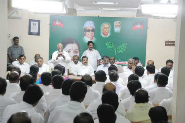 aiadmk-meeting-starts-for-thiruvarur-byelection