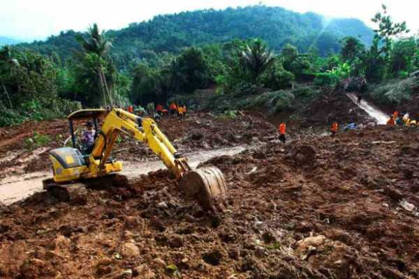 indonesia-landslides-death-toll-increases-to-38