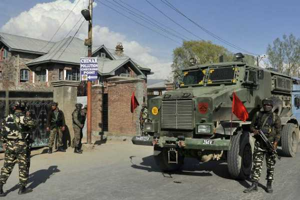 crpf-soldiers-opens-fire-at-colleagues-and-kills-himself