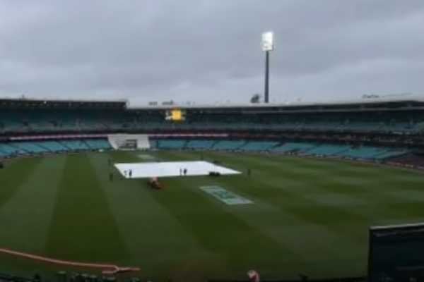 india-australia-test-cricket-delayed-by-rain