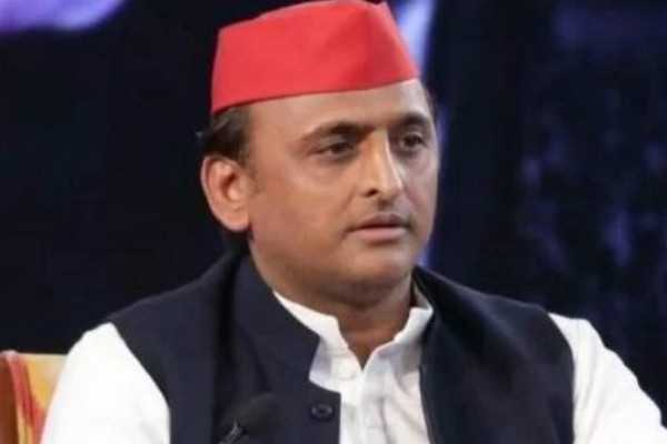 former-up-cm-akhilesh-yadav-granted-13-mining-leases-in-one-day-cbi