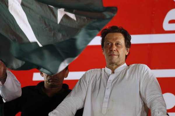 pak-pm-imran-khan-s-message-for-virat-kohli-team-after-australia-triumph