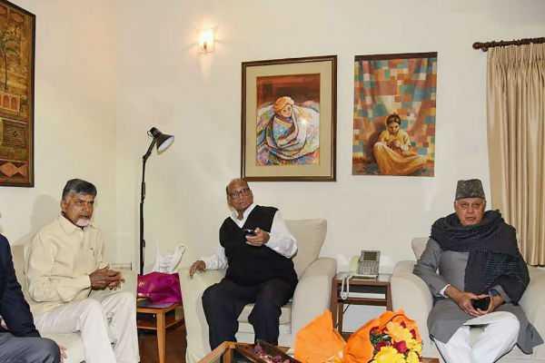 chandrababu-naidu-met-with-opposition-leaders-in-delhi