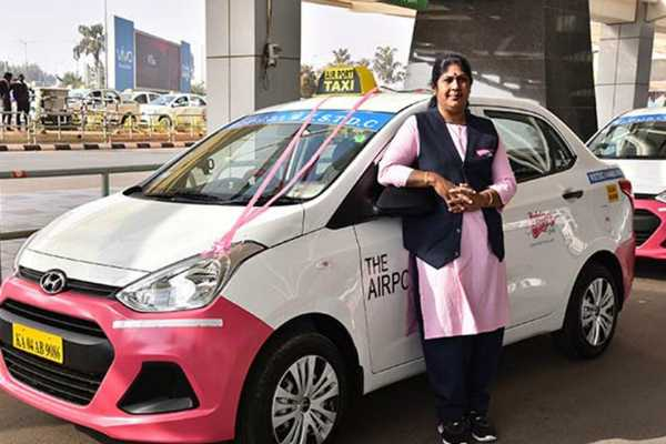 women-drivers-in-pink-taxi-service-in-bangalore