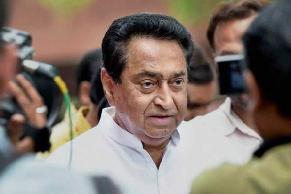 headmaster-who-criticised-cm-kamal-nath-suspended
