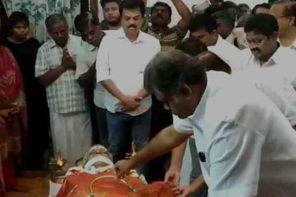 gk-vasan-pays-his-tribute-to-krishna-moorthy