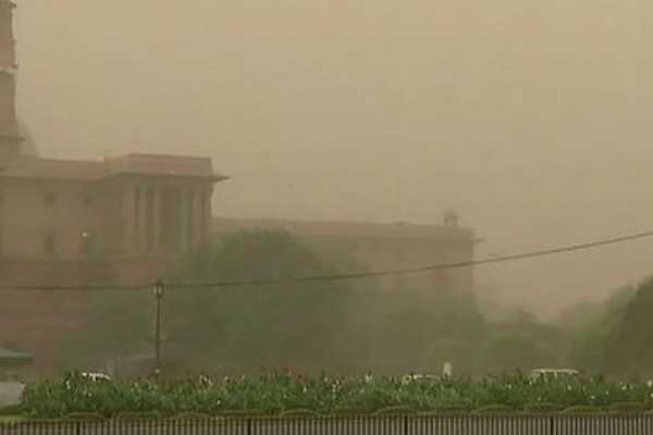 better-not-to-live-in-delhi-it-s-a-gas-chamber-sc-judge