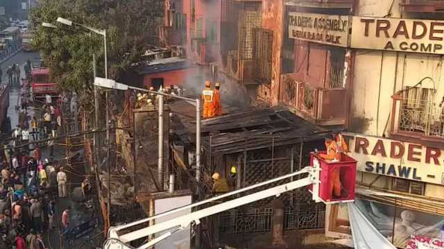 fire-in-five-store-building-in-kolkatta
