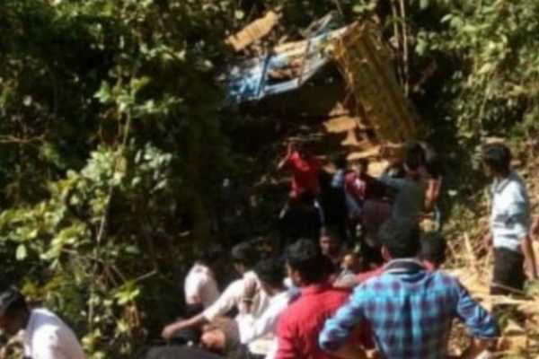 odisha-8-people-killed-more-than-25-critically-injured-after-a-truck-overturned-at-poiguda-ghat