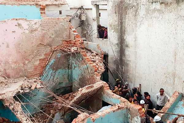haryana-more-than-five-people-trapped-in-building-collapse