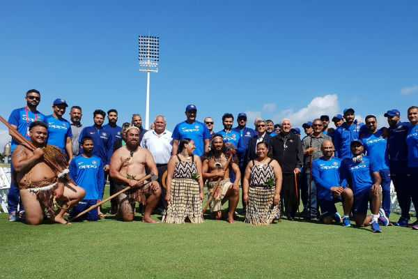 teamindia-received-a-traditional-welcome-at-the-oval-bay-from-the-maori-community