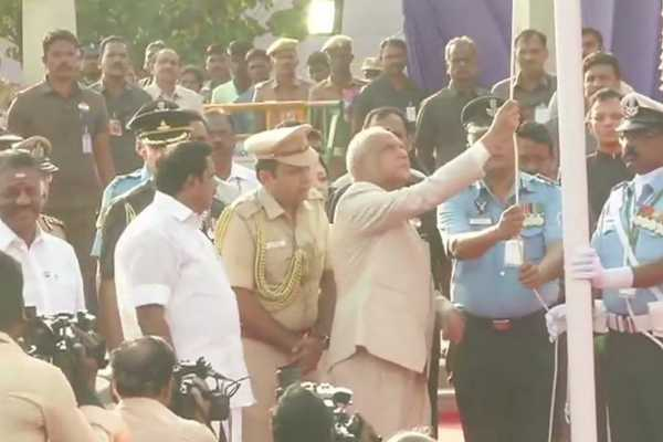 tn-governor-hoists-flag-at-chennai