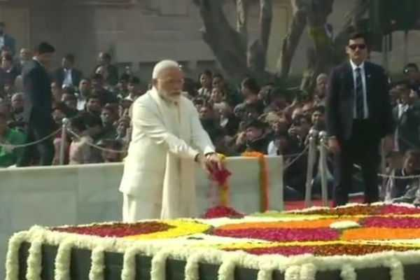 leaders-including-president-pm-paid-tribute-to-mahatma-gandhi