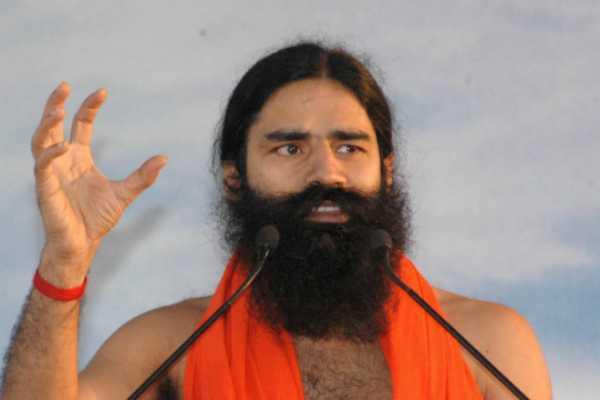 yog-guru-ramdev-urged-saints-and-seers-at-the-kumbh-mela-to-quit-smoking