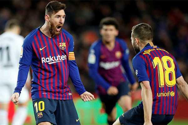 messi-magic-saves-barcelona-again