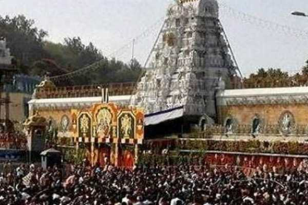 tirupati-temple-golden-crowns-robbery-police-suspect-involvement-of-priests