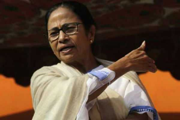 mamta-showing-wrong-way-to-the-people