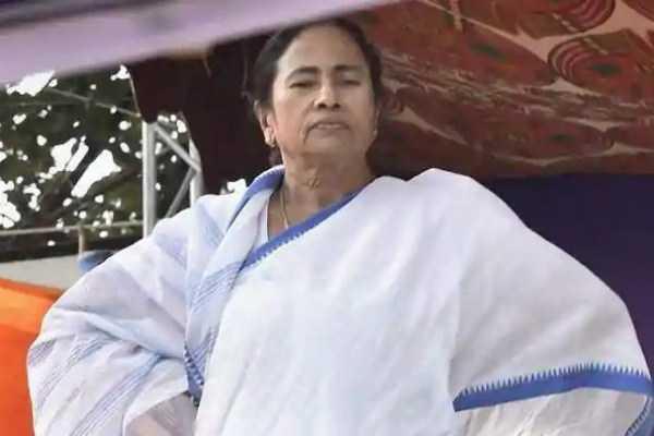 mamata-banerjee-ends-dharna-against-modi-govt
