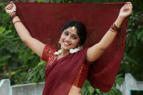 telugu-actress-naga-jhansi-committed-suicide-amid-love-failure