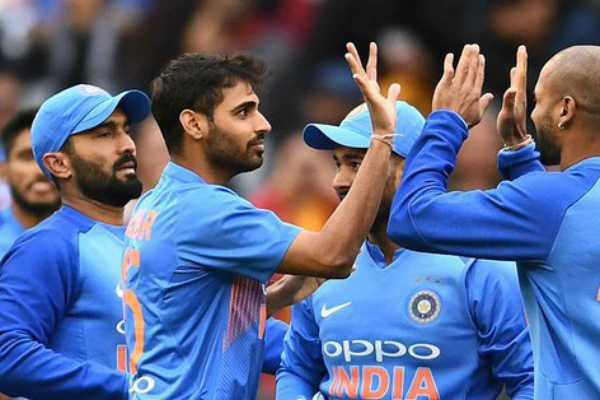 india-needs-220-runs-to-win