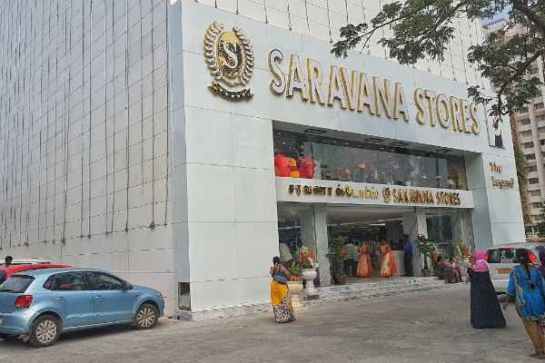 it-seizes-gold-and-diamond-from-saravana-stores-lotus-and-g-s-square