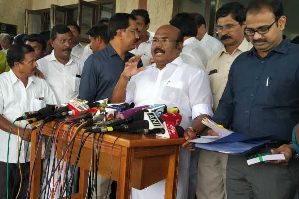 minister-jayakumar-press-meet-talks-about-ttv-dinakaran-and-ammk