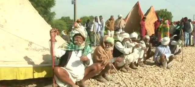 rajasthan-rail-service-faces-distruption-due-to-gujjar-stir